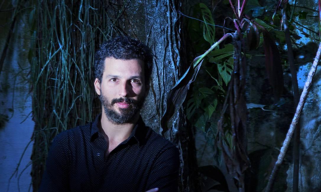Livro reúne textos produzidos para O GLOBO e outros veículos, com temas como o Facebook e o sumiço de Belchior Foto: Leonardo Aversa / Agência O Globo