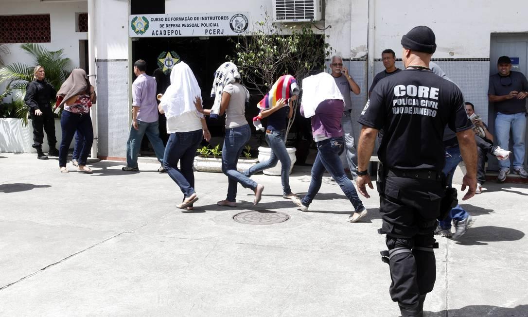"""O Gaeco e a Corregedoria do Detran descobriram ainda outro tipo de crime praticado pelo grupo, o """"pulo"""" Fábio Rossi / O Globo"""