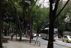 Oi terá de remover fio até este sábado, afirma Seconserva Foto: Foto do leitor Luis Pinto / Eu-Repórter