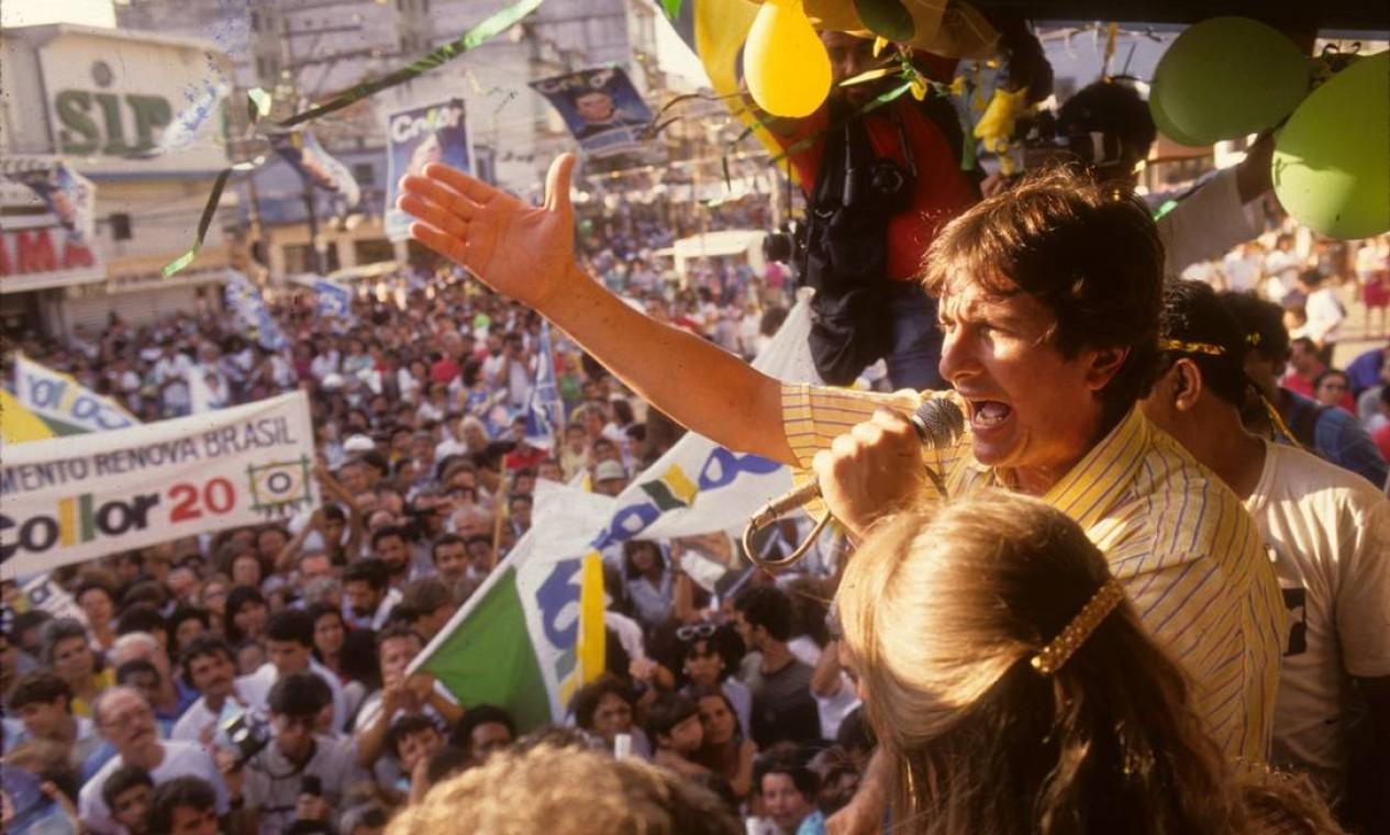 Na campanha de 1989, Collor se apresentou aos eleitores como 'caçador de marajás' - apelido que deu aos funcionários públicos de salários elevados Foto: Agência O Globo - Cesar Loureiro - 6/12/1989