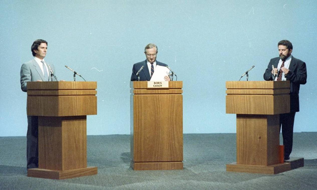 Último debate na TV entre Collor e Lula, mediado por Bóris Casoy, foi marcado por ataques e hostilidade Foto: Agência O Globo - Fernando Pereira - 15/12/1989