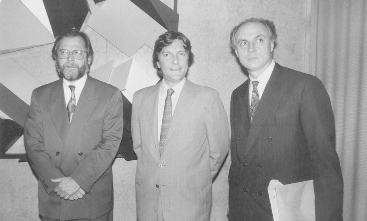 Pedro Collor de Mello, entre os então deputados José Dirceu – hoje réu do mensalão – e Eduardo Suplicy Foto: Agência O Globo - Roberto Faustino - 29/5/1992
