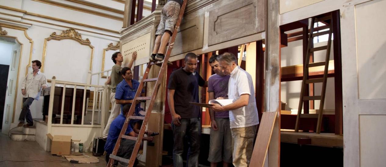 Patrimônio reformado. Estrutura ficará atrás da estrutura de madeira do antigo órgão da Sé Foto: Simone Marinho / O Globo