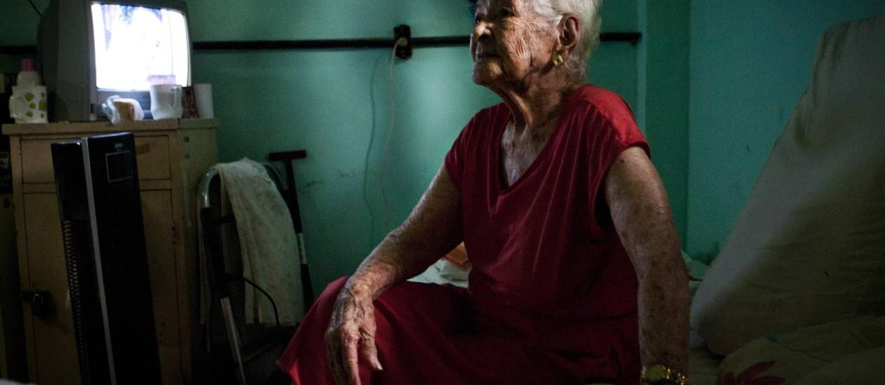 Lellis, de 99 anos, vive no Abrigo Cristo Redentor há mais de 15 anos e já não tem qualquer vínculo familiar. Agora, espera festejar seu centenário em 2013 Foto: Laura Marques