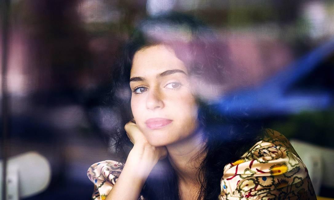 """Aos 29 anos, a atriz Maria Flor é a criadora da série """"Do amor"""" Foto: Leonardo Aversa"""
