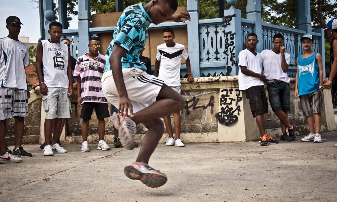 """Dançarinos das comunidades cariocas são as estrelas de """"A batalha do passinho"""" Foto: Divulgação/João Xavi"""