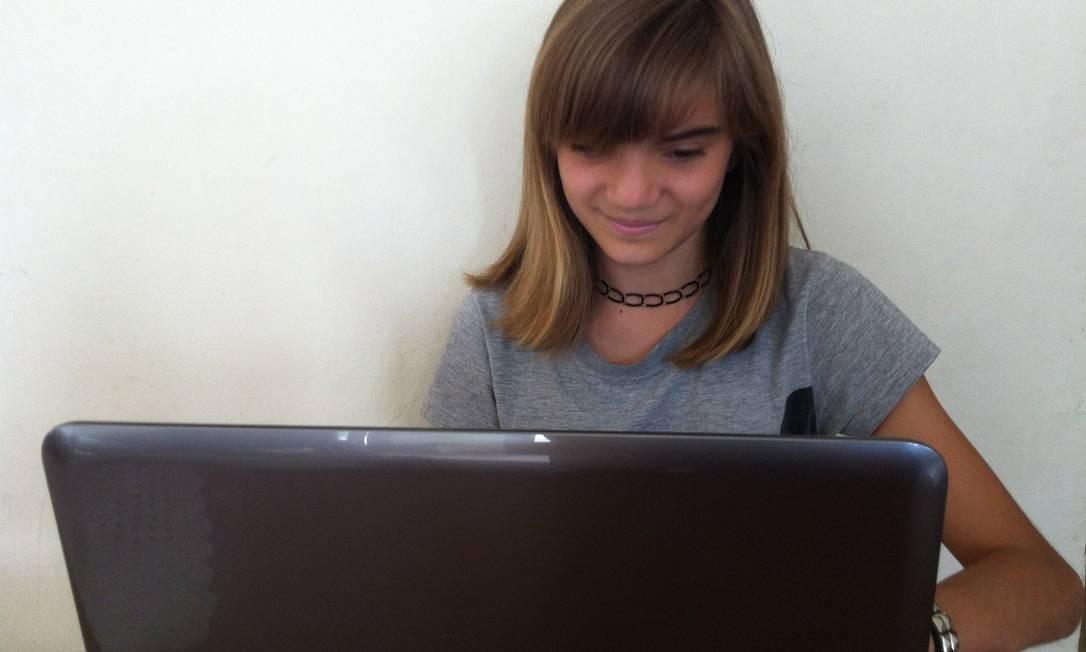 """A esudante Isadora Faber, 13 anos, autora da página """"Diário de Classe"""" Foto: Acervo pessoal"""