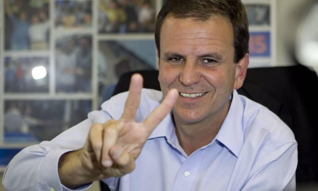 Prefeito do Rio no primeiro dia de trabalho após a reeleição Foto: O Globo / Pedro Kirilos