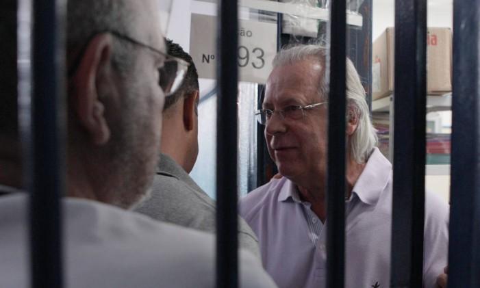"""José Dirceu foi apontado como """"chefe da quadrilha"""" do esquema do mensalão. Recebeu pena de 7 anos e 11 meses de prisão em regime semiaberto e multa final de R$ 971,1 mil por corrupção ativa e formação de quadrilha. Foto: Michel Filho/Agência O Globo"""