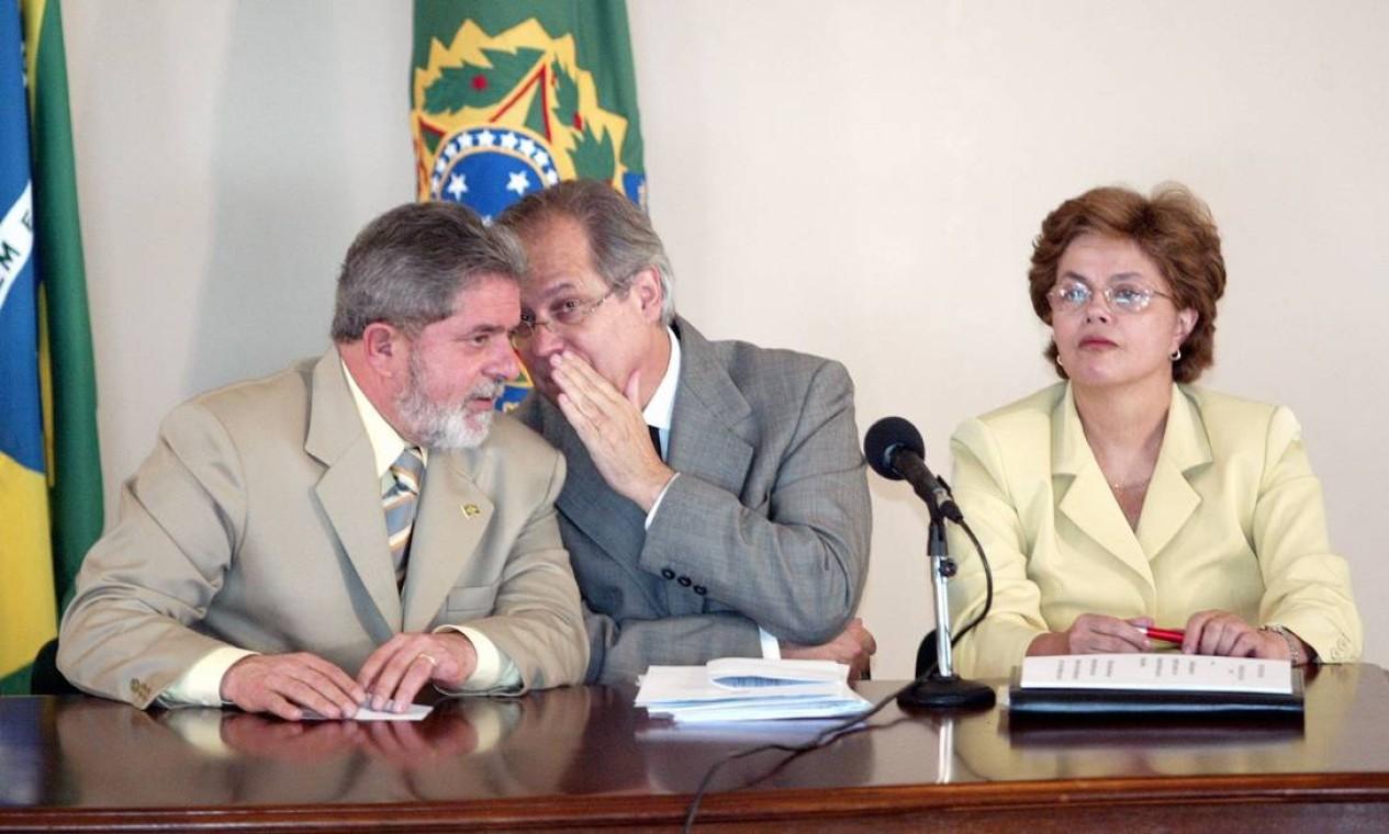 No começo do governo Lula, Dirceu era visto como um possível sucessor ao então presidente. Depois da denúncia do mensalão, a opção do partido foi por Dilma Rousseff, que assumiu a Casa Civil em seu lugar Foto: Ailton de Freitas/Arquivo