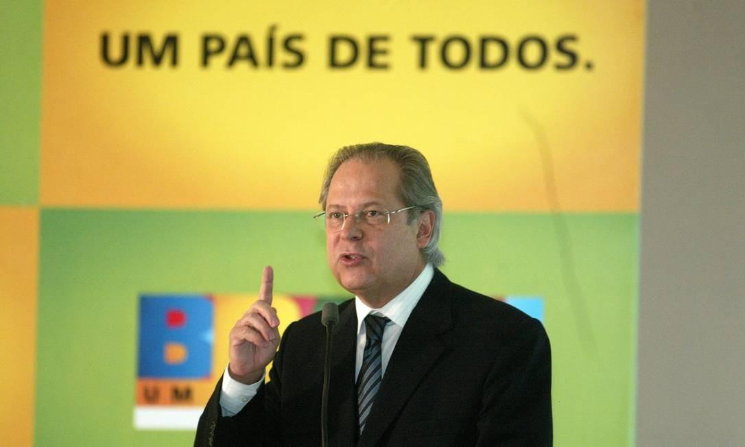 Mesmo com o mandato cassado, Dirceu participou da articulação política em 2009 e 2010 para ajudar a eleger sua substituta na Casa Civil, Dilma Rousseff Foto: Ailton de Freitas/Arquivo