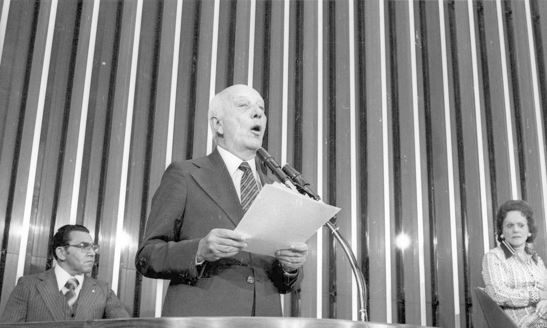 (15/10/1978) Presidente do MDB, Ulysses discursa no plenário do Congresso em reunião do Colégio Eleitoral Foto: Arquivo O Globo