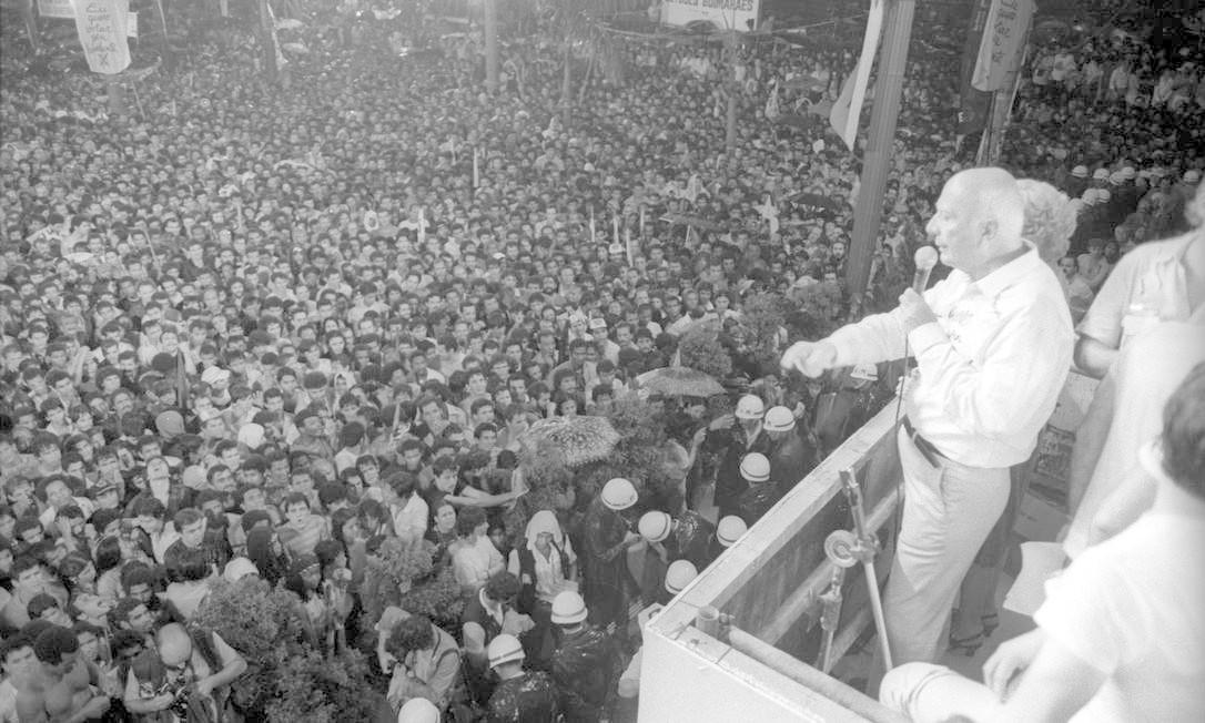 (25/01/1984) Comício pelas eleições diretas na Praça da Sé, em São Paulo Foto: Arquivo O Globo