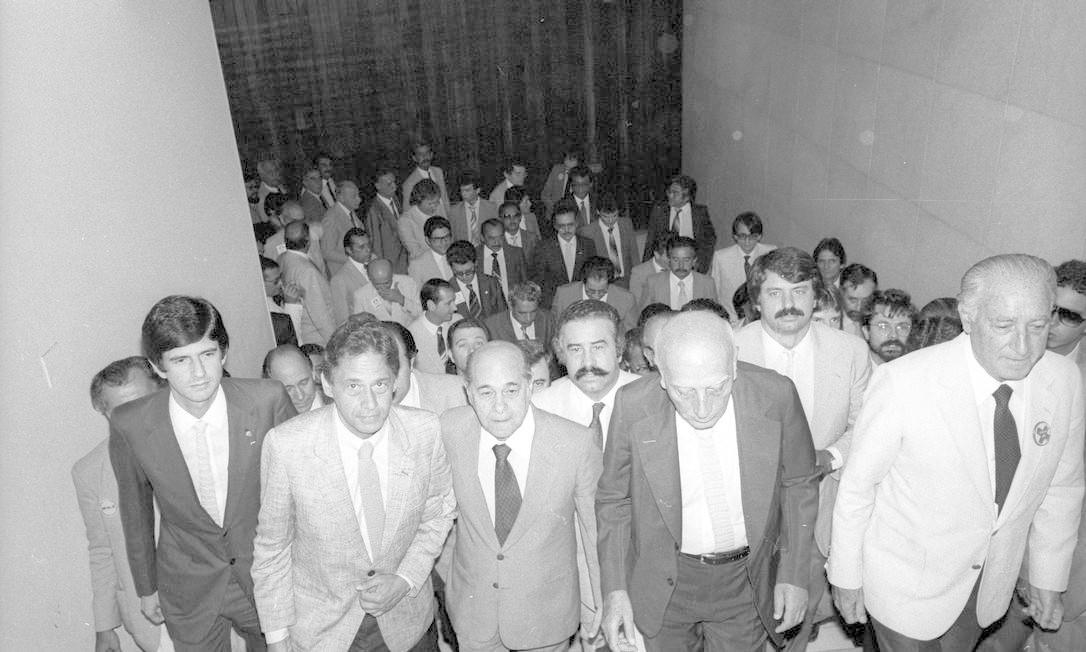 (26/04/1984) Constituição, Emenda Dante de Oliveira. Na foto, Fernando Henrique Cardoso, Tancredo Neves (Governador de Minas Gerais), Ulysses Guimarães (Deputado) e Franco Montoro (Governador de São Paulo). Foto: Arquivo O Globo