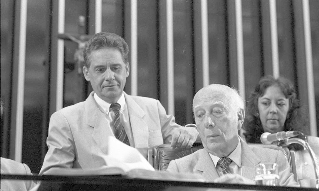 (07/04/1988) Assembléia Nacional Constituinte. Fernando Henrique Cardoso e Ulysses Guimarães Foto: Arquivo O Globo