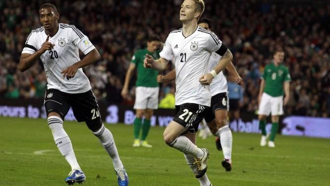 674ccb23c0 Marcos Reus comemora um dos dois gols marcados na goleada da Alemanha sobre  a Irlanda por
