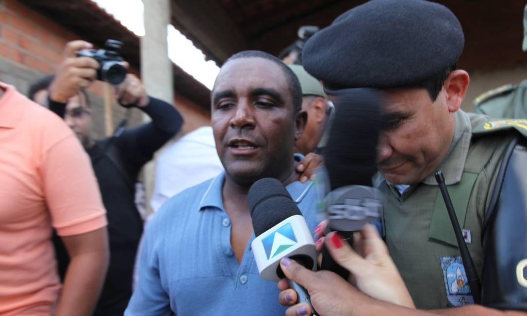 """O """"profeta"""" Luís Pereira no momento em que foi preso pela PM de Teresina Foto: Efrém Ribeiro"""