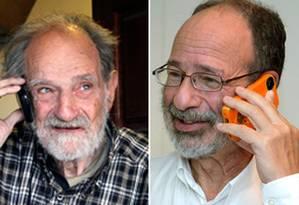Lloyd Shapley (à esquerda) e Alvin Roth, falando ao telefone pouco depois de receberem a notícia do prêmio Foto: Montagem a partir de fotos de AP e Reuters