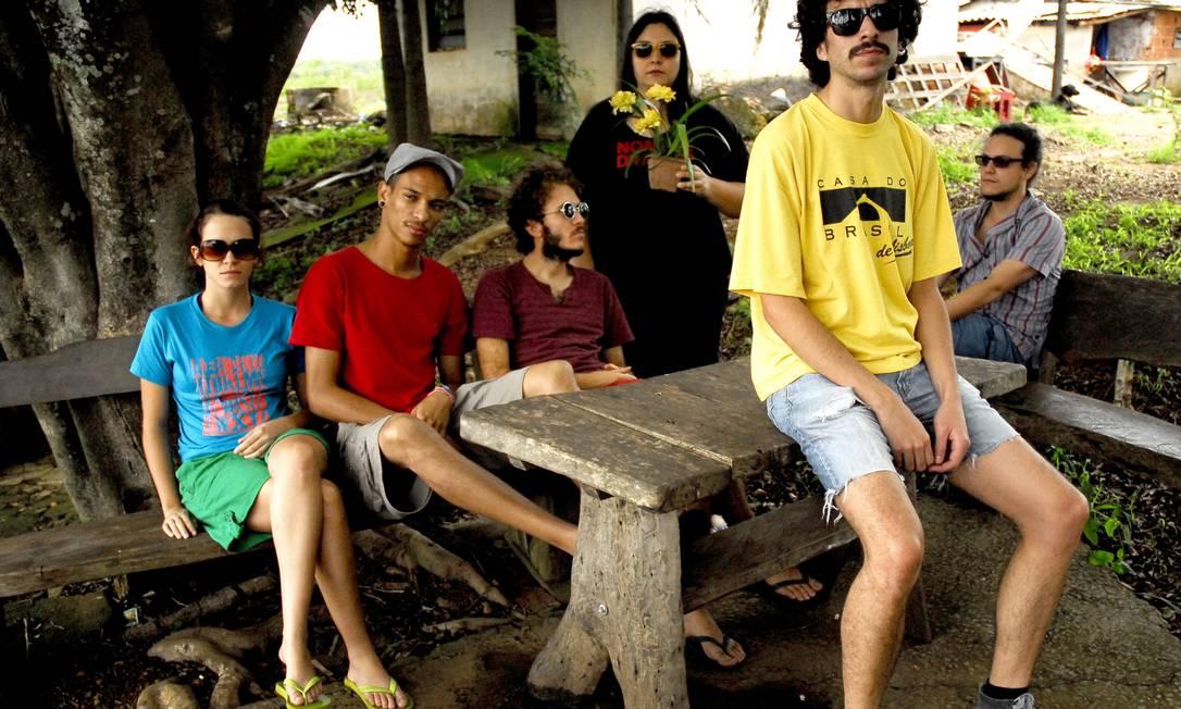 Integrantes do grupo Graveola e Lixo Polifônico Foto: Divulgação/Flavio Mafra
