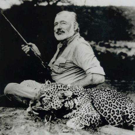 Escritor suicida. O autor e jornalista Ernest Hemingway, em 1953; o escritor cometeu suicídio, mesmo destino do pai, no dia 2 de julho de 1961 Foto: AP/National Portrait Gallery