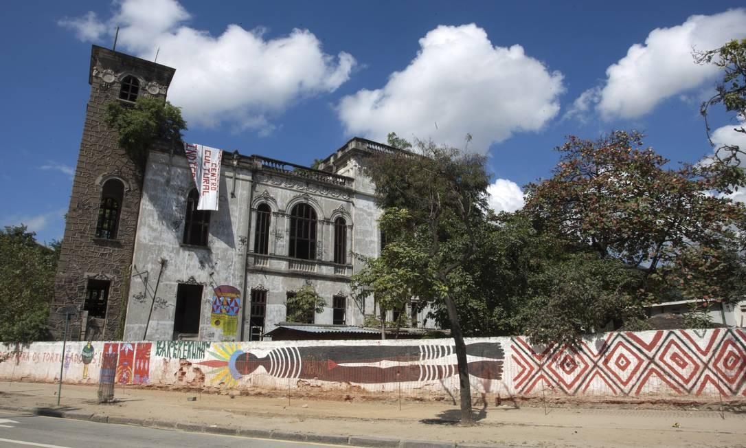 O terreno do antigo Museu do Índio, no Maracanã Foto: Eduardo Naddar / O Globo