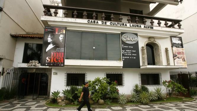 A fachada da Casa de Cultura Laura Alvim, na praia de Ipanema Foto: Leticia Pontual