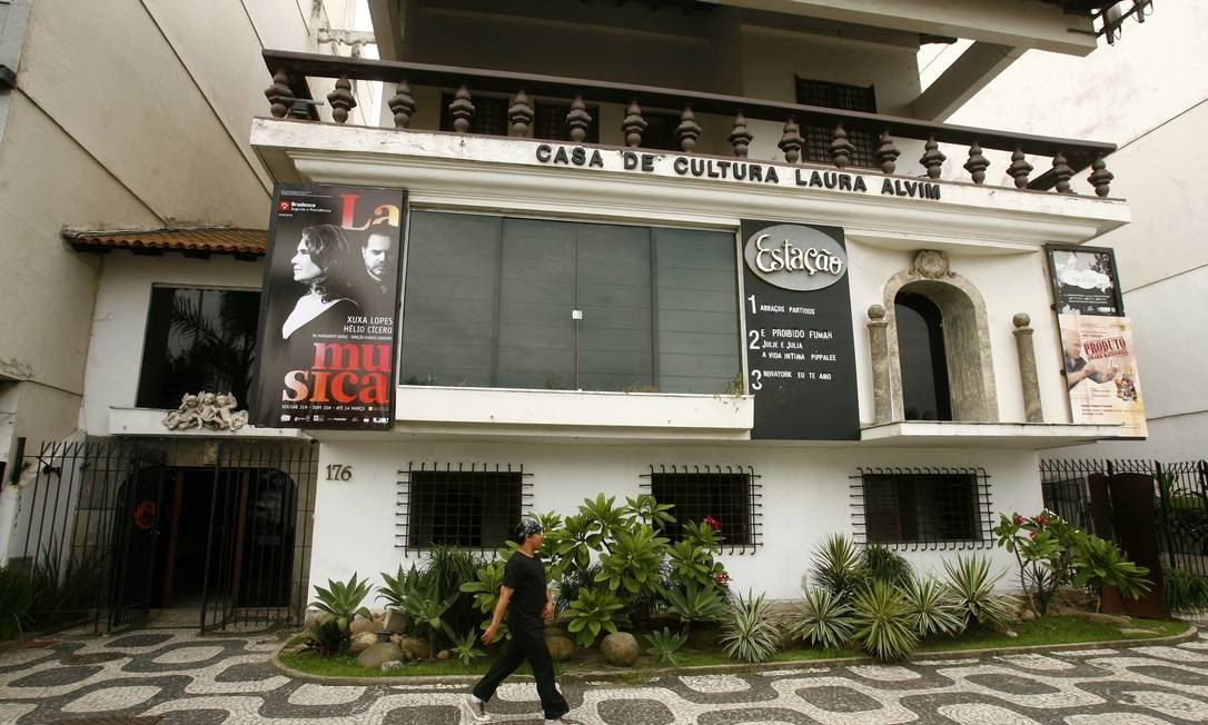 Sem final feliz. A Casa de Cultura Laura Alvim: os três cinemas fecharam as portas na sexta-feira Foto: Letícia Pontual/6-1-2010 / O Globo