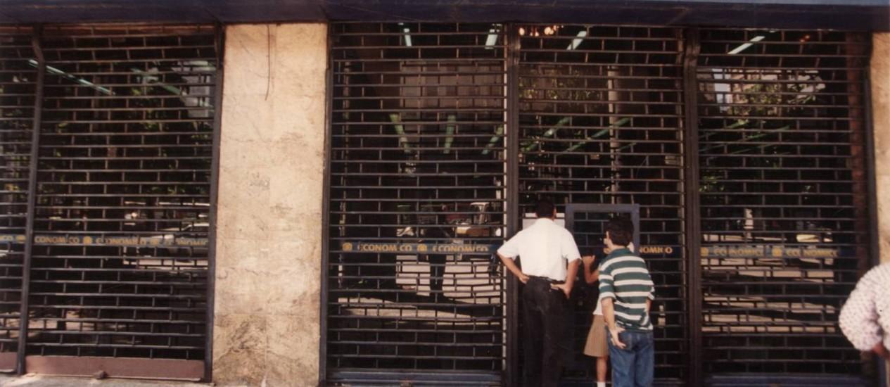 Fechado. O Banco Econômico é mantido sob intervenção do BC desde 1995 Foto: Cezar Loureiro /Arquivo O Globo