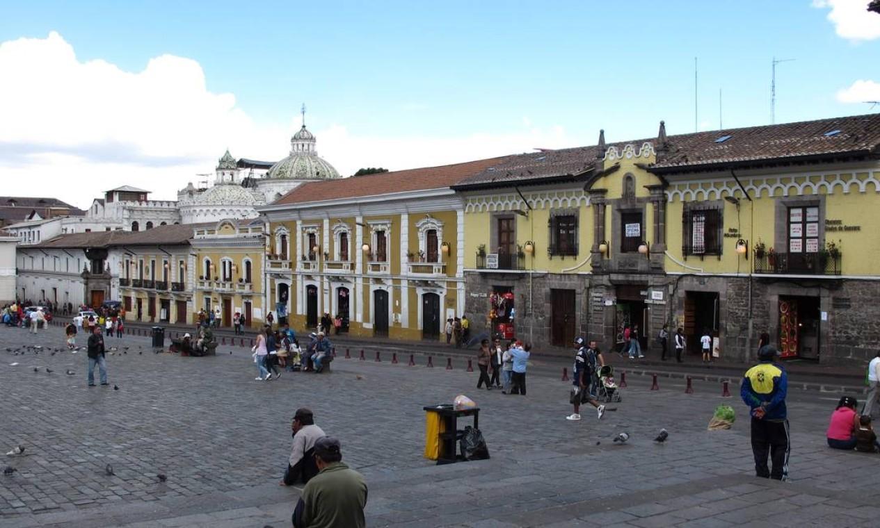 Quito monumental: Plaza San Francisco, um dos marcos do centro histórico da capital do Equador Foto: Eduardo Maia / O Globo