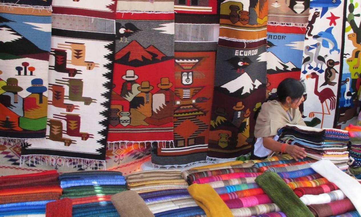 A 92 quilômetros de Quito, Otavalo tem o maior mercado indígena do planeta. Foto: Eduardo Maia / O Globo