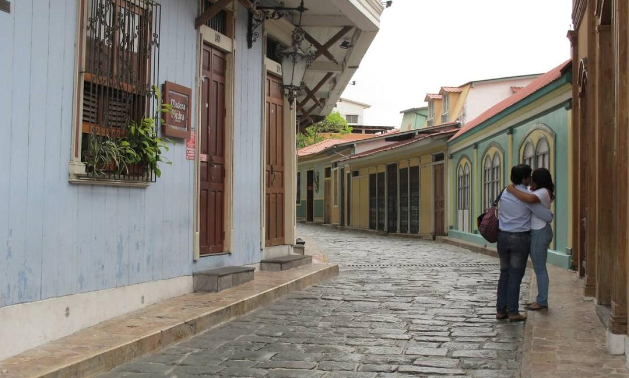 Guayaquil é a maior cidade do Equador, mas tem cantos bucólicos, como o bairro histórico de Las Peñas. Foto: Eduardo Maia / O Globo