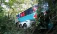 Sem freio. O ônibus da Auto Viação 1001 que se acidentou na BR-116, altura de Guapimirim, matando 14 pessoas
