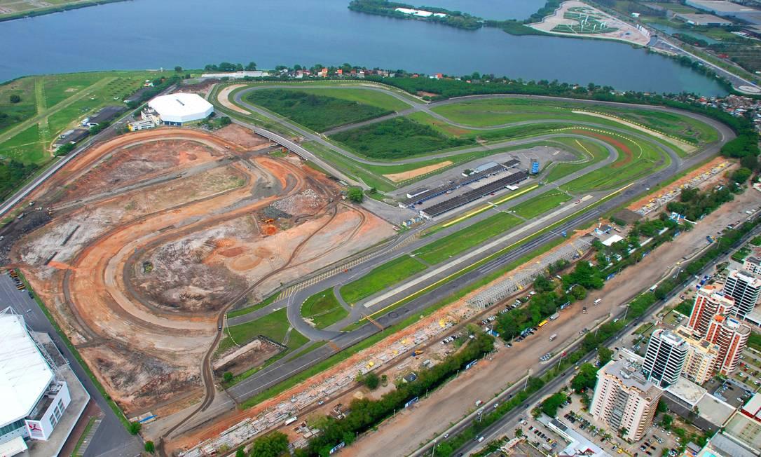 Impasse. Vista aérea do Autódromo Nelson Piquet: confederação só quer fechamento com a ativação de Deodoro Foto: Genilson Araújo / O Globo