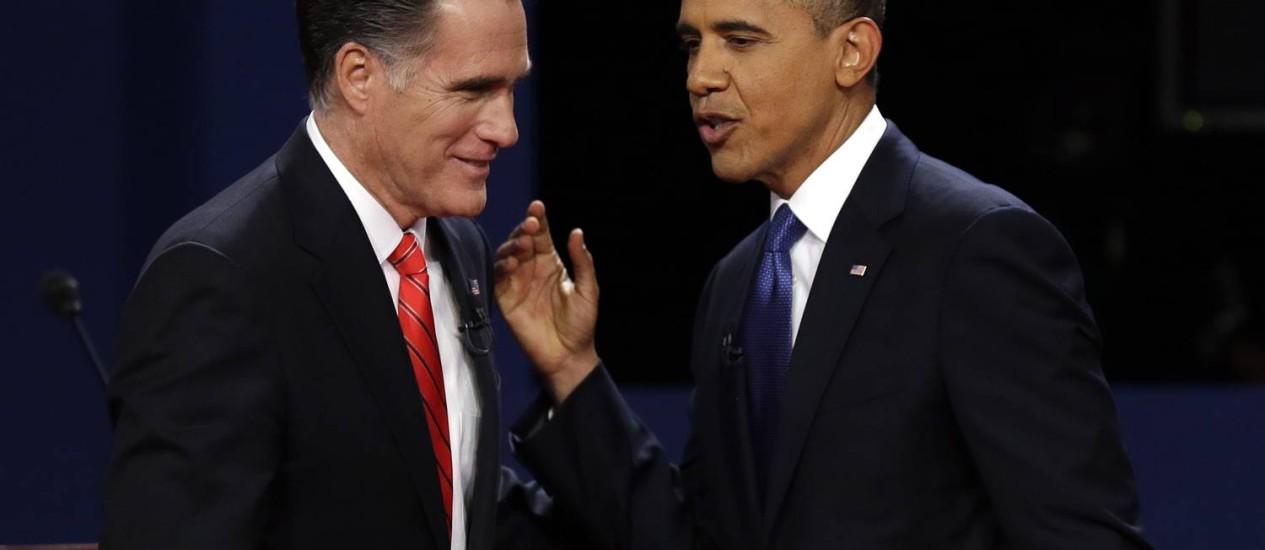 Os dois candidatos durante o debate em Denver: nenhum dos moderadores dos encontros levantou o assunto das mudanças climáticas Foto: AP/3-10-212