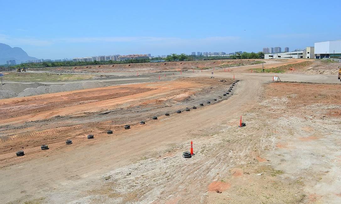Obras para retirada do autódromo de Jacarepaguá já estão em andamento. Local receberá Parque Olímpico Foto: Foto do leitor Guilherme Kayser / Eu-Repórter