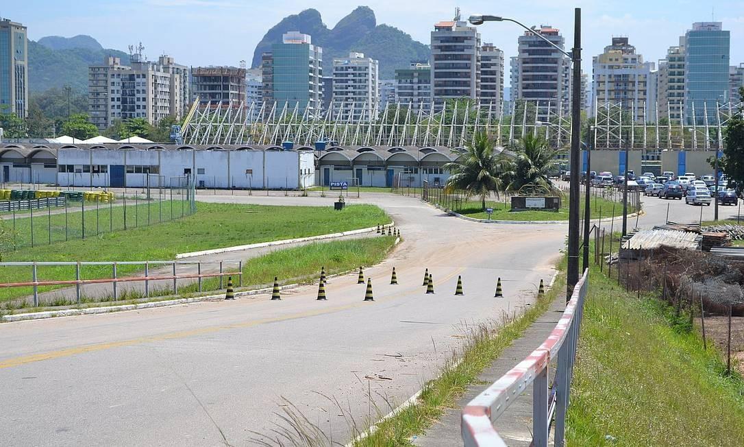 Demolição da estrutura deve começar na próxima semana... Foto: Foto do leitor Guilherme Kayser / Eu-Repórter