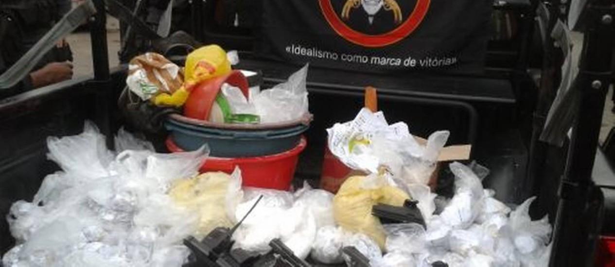 O material apreendido durante operação do Bope na Favela Nova Holanda, no Complexo da Maré Foto: Divulgação