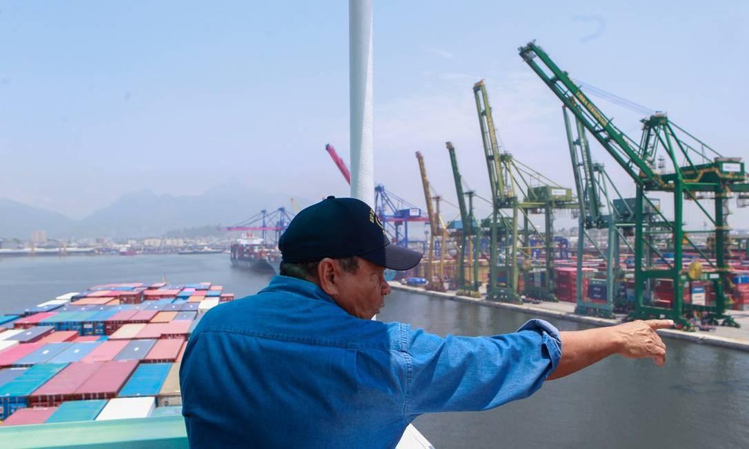Práticos,  os flanelinhas de navios , ganham até R  300 mil mensais -  Jornal O Globo cd738e11db