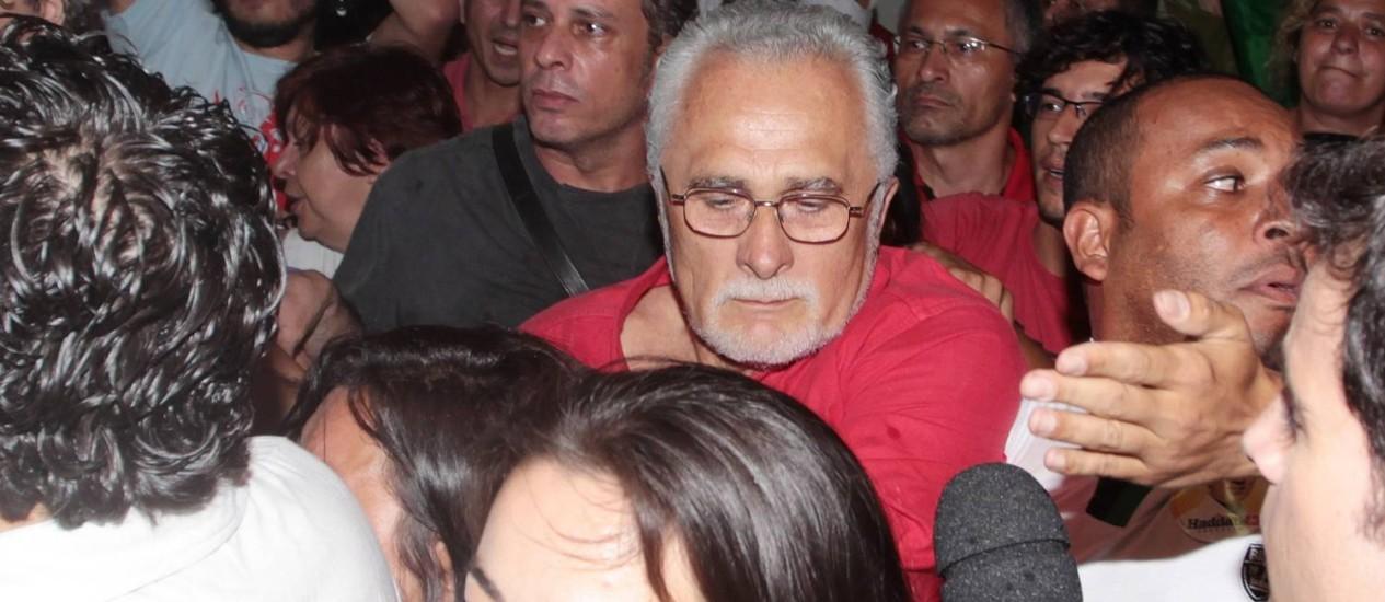 Votação de Genoino causou tumulto em São Paulo Foto: Eliária Andrade/Agência O Globo