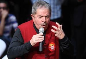 Lula conseguiu eleger Haddad em São Paulo, mas não repetiu êxito no Nordeste Foto: Marcos Alves/27-9-2012 / O Globo