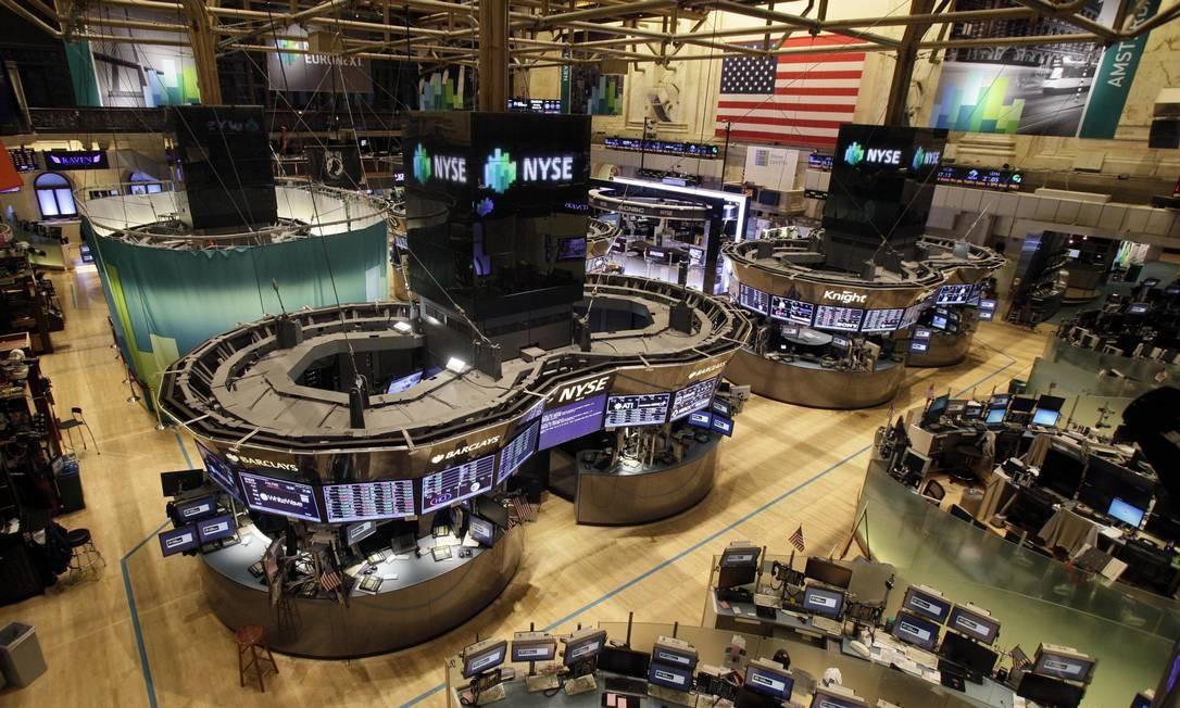 O interior vazio da Bolsa de Nova York (NYSE) Foto: Reuters