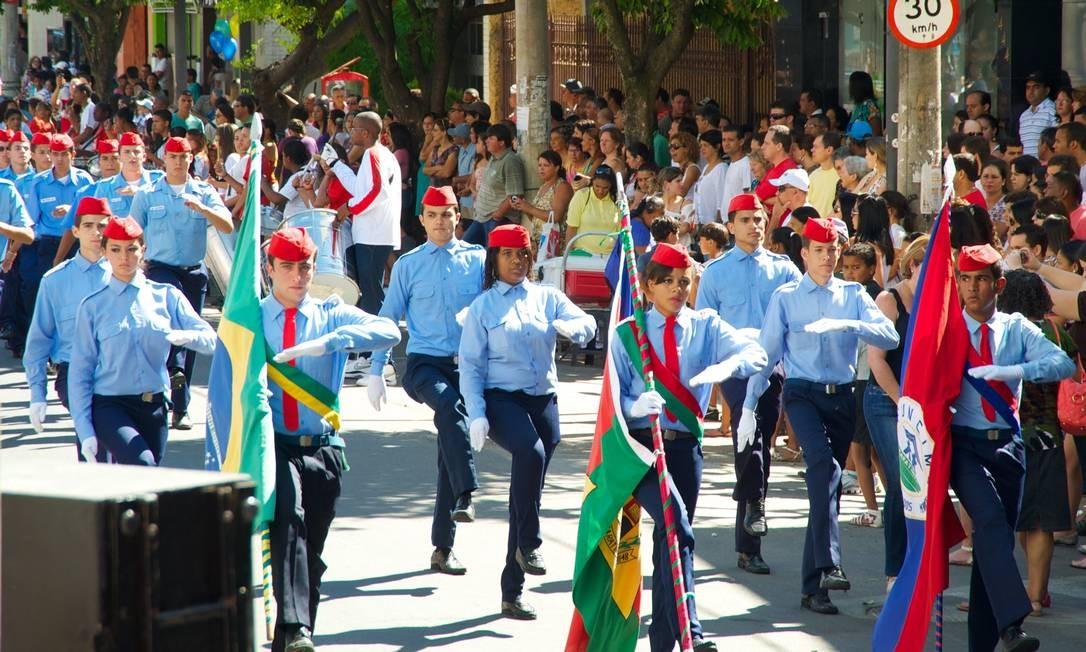 A comemoração pelos 80 anos teve ainda desfile com bandeiras Sergio Abranches