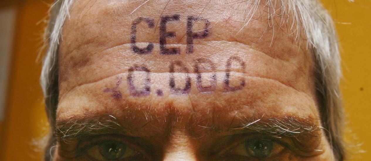 Chacal, homenageado deste ano, foi fonte de inspiração para a criação da MoLA, com o seu projeto CEP 20.000, da década de 90 Foto: Marcos Ramos / Agência O Globo