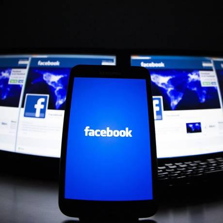 Facebook investe em plataformas para dispositivos móveis Foto: Reuters