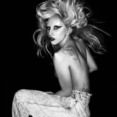 Lady Gaga na capa do single 'Born this way' Foto: Divulgação