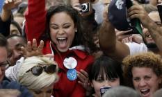 Empolgação. Simpatizante reage ao cumprimentar Obama, em New Hampshire: mulheres garantiram vitória de 2008 Foto: AP/27-10-2012