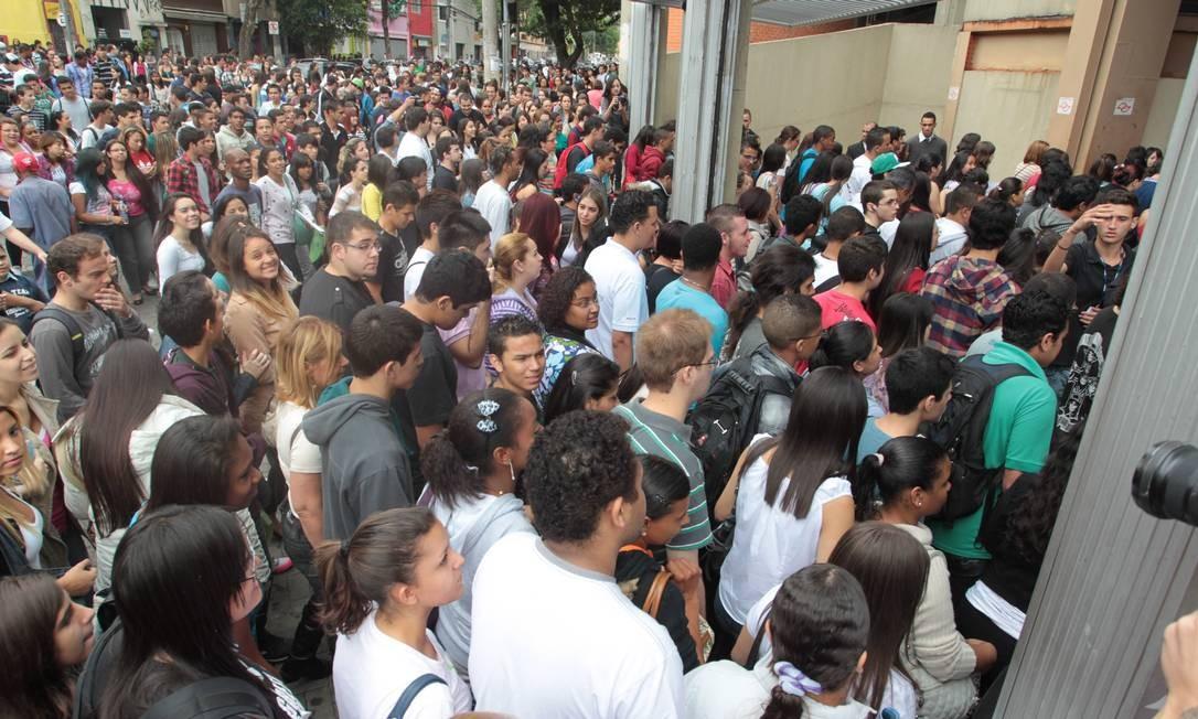 Candidatos chegam para o segundo dia de provas na Uninove, SP Foto: Eliária Andrade
