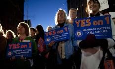 Marcha. Manifestantes apoiam o casamento gay em Portland, no Maine: expectativa de vitória Foto: Robert Bukaty/AP/1-11-2012