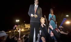 Presente. Hillary e Michelle Obama aparecem, com Obama, em cartazes Foto: Jacquelyn Martin/AP