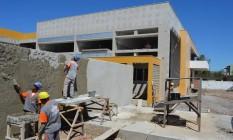 Escola em Rio das Ostras está sendo construída com recursos dos royalties Foto: Terceiro / Agência O Globo